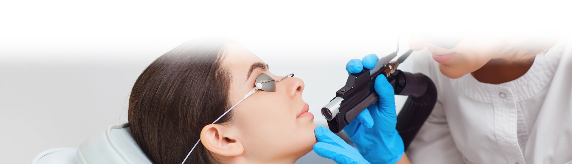 eCO2 fractional laser skin treatment reveals youthful skin in Hamilton, ON